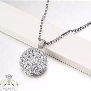 Jewelry - Diamond Circle Pendant